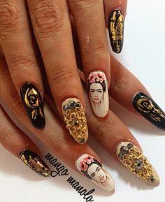 Frida nails