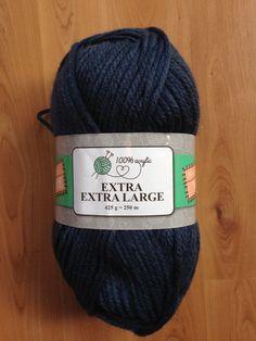 Een simpele kol met wol van de Action. Eén bol is één kol. De bol kost €4,45 dus best een goedkope kol. De wol kriebelt niet, draagt prima en is heerlijk warm.