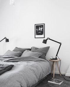 eenvoudige krukjes met zwarte lampjes apremont
