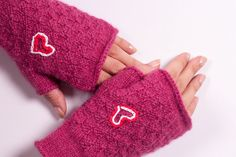 Fingerless Gloves in raspberry colour with heart  by Gitasknitwear