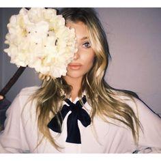elsa hosk instagram life through a flower - Google-Suche