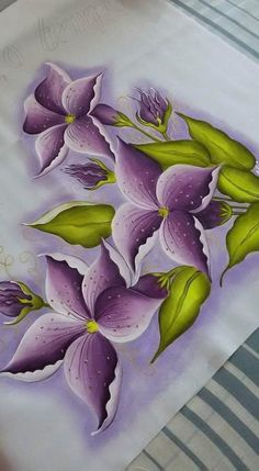 Painting on Fabric: 75 Model + Free Risks Flowers Acrylic Painting Flowers, One Stroke Painting, Acrylic Art, Fabric Painting, Fabric Paint Shirt, Hand Painted Sarees, Fabric Paint Designs, Arte Floral, Painting Patterns