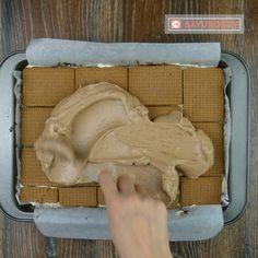 Prăjitură rapidă fără coacere din biscuiți – un desert excelent de zile mari! - savuros.info Nutella, Dairy, Ice Cream, Sweets, Cheese, Desserts, Food, No Churn Ice Cream, Tailgate Desserts