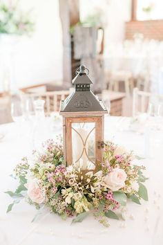 Outstanding Wedding Table Decorations ❤ See more: http://www.weddingforward.com/wedding-table-decorations/ #weddings http://gelinshop.com/ppost/Ax_UMgEQACQGOjpxoKV36oU/