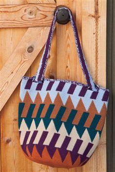 I LOVE this tapestry crochet tote. Arrowhead Tote - Crochet Me