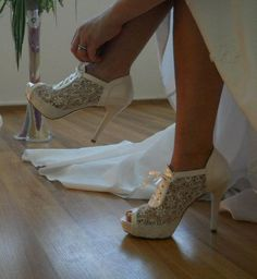 Wedding shoes, Handmade Lace wedding shoe designed specially + GIFT Bridal Pantyhose for you #8445