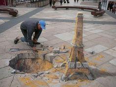 THIS IS ART - STREET ART - AWESOME  meraviglioso. la torre Eiffel sembra messa per verticale, invece è DISEGNATA nel marciapiede. è incredibile il controllo dello spazio che riescono ad avere questi fantastici artisti