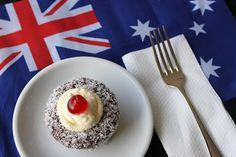 Diary of a Ladybird: Australia Day Lamington Cupcakes Aussie Bbq, Aussie Food, Top Recipes, Asian Recipes, Sweet Recipes, Australia Day Celebrations, Australian Icons, Bbq Kitchen, Mini Cakes