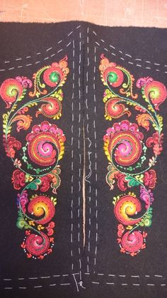 Wool Embroidery, Cross Stitch Embroidery, Embroidery Designs, Folk Costume, Traditional Dresses, Folklore, Body Painting, Fiber Art, Sweden