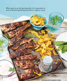 Pork ribs with pumpkin crisps Pumpkin Crisp, Banting Diet, Organic Meat, Pork Ribs, Chicken Wings, The Best, Food, Pork Spare Ribs, Essen