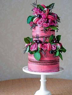Matching Stationery and Wedding Cakes | Brides Magazine #weddingcakes