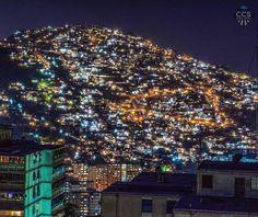 Te presentamos la selección: <<FOTO DEL DÍA>> en Caracas Entre Calles. ============================  F E L I C I D A D E S  >> @differentproductions << Visita su galería ============================ SELECCIÓN @mahenriquezm TAG #CCS_EntreCalles ================ Team: @ginamoca @huguito @luisrhostos @mahenriquezm @teresitacc @marianaj19 @floriannabd ================ #Caracas #Venezuela #Increibleccs #Instavenezuela #Gf_Venezuela #GaleriaVzla #Hallazgosemanal #Ig_GranCaracas #Ig_Venezuela…
