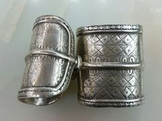 Centrial Asia Turkmenistan Tribal Ersary Silver Pair Bracelet,Very good condition  circa 1900 weight : 209 gram Size : 7x6 cm