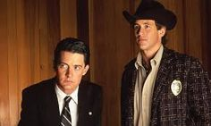 'Twin Peaks' and Beyond: The Best Shows Inspired by David Lynch's TV Phenomenon Twin Peaks Cast, Twin Peaks Tv Show, Twin Peaks 1990, David Lynch, Michael Ontkean, Twin Peaks Characters, Scary Haunted House, Kyle Maclachlan, Laura Palmer