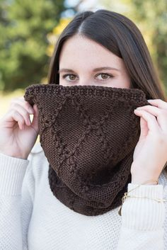 Knit snood, knit cowl, knit hooded scarf, knit hood, chunky knit cowl, wool knit cowl, cowl scarf, knit loop scarf, woman whit knit scarf
