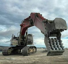 Linkbelt excavator with a concrete crusher