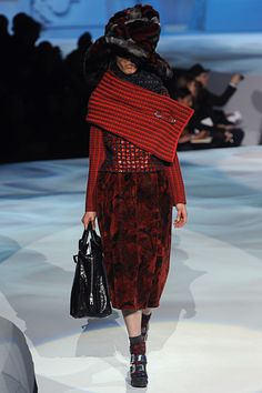 Marc Jacobs F/W 12 - I am so knitting that fat wrap thing.