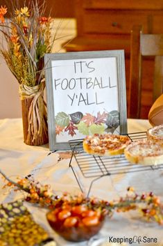 You know you need this super cute football printable this football season. Print this out and cook some pizza and you're ready for the game! Free Football, Football Themes, Football Football, Cupcake Toppers Free, Cupcake Party, Football Season, Party Printables, Party Themes, Seasons