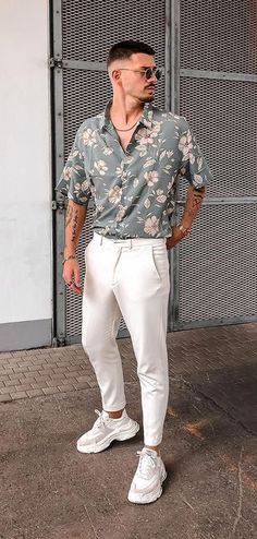 Smart Casual Outfit, Stylish Mens Outfits, Men Casual, Outfits For Men, Outfits For Teenage Guys, Mens Trousers Casual, Men's Outfits, Cool Summer Outfits, Men's Summer Clothes