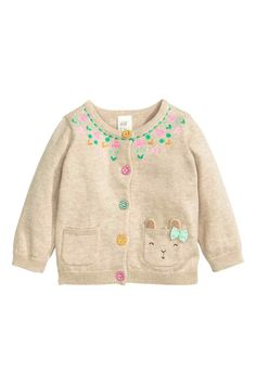 fine knit cardigan in cotton with colorful fabric covered buttons contrasting details - PIPicStats Baby Girl Fashion, Fashion Kids, Knitting For Kids, Baby Knitting, Toddler Girl, Baby Kids, Baby Outfits, My Baby Girl, Kind Mode
