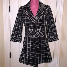 White House Black Market black and white jacket Perfect condition except it is missing one button (second from the top)- a cheap fix. Thick material with silky black lining. Size 2. White House Black Market Jackets & Coats Blazers