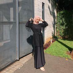 Kebaya Modern Hijab, Kebaya Hijab, Kebaya Dress, Kebaya Muslim, Modern Hijab Fashion, Dress Muslim Modern, Modest Outfits Muslim, Muslimah Wedding Dress, Hijab Dress Party