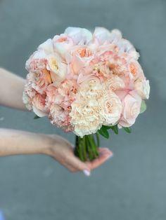 Идеальные Букеты для идеальных невест, моно, миксы из премиальных сортов. Бутоньерка в подарок. Больше выбора на сайте Wedding Flowers, Floral Wreath, Crown, Wreaths, Decor, Floral Crown, Corona, Decoration, Door Wreaths