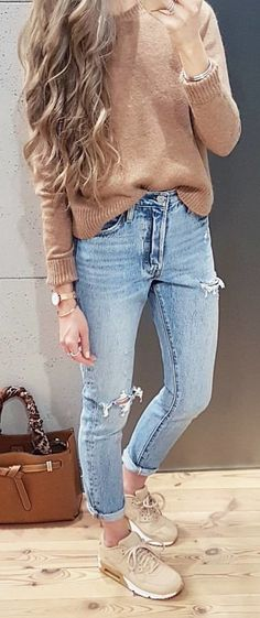 #spring #outfits blue jeans. Pic by @tojajoanna