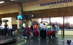 Abuso de poder no aeroporto, passageira humilhada por funcionária da Receita Federal.