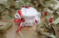 AMU-002 – Mărturie borcănel invazia buburuzelor #marturii #nunta #botez #borcanel Christmas Ornaments, Holiday Decor, Christmas Jewelry, Christmas Decorations, Christmas Decor