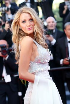 Blake Lively Photos - Blake Lively attends the 'Mr Turner' premiere during the Annual Cannes Film Festival on May 2014 in Cannes, France. Turner' Premieres at Cannes — Part 2 Blake Lively Moda, Blake Lively Style, Gossip Girl, Glamour, Celebrity Weddings, Celebrity Style, Celebrity Outfits, Pretty People, Beautiful People