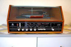 Restored 1970s Dynatron SRX record player and Radio