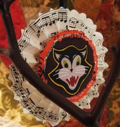 HALLOWEEN Scary Black Cats Vintage Paper Rosette Ornaments