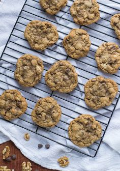 Whole Wheat Chocolate Chip Walnut Cookies {My Favorite Chocolate Chip Cookies} - The perfect whole wheat chocolate chip cookie. Super soft, chewy, and packed with rich flavors like walnuts, cinnamon, and dark chocolate. Köstliche Desserts, Chocolate Desserts, Delicious Desserts, Dessert Recipes, Healthier Desserts, Chocolate Chocolate, Healthy Chocolate, Healthy Meals, Healthy Recipes