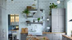 Relooker une cuisine // http://www.deco.fr/diaporama/photo-du-sol-au-plafond-ma-cuisine-comme-neuve-72102/