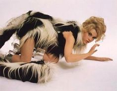 Jane Fonda in Paco Rabanne - Barbarella Jane Fonda Barbarella, Barbarella Movie, Dh Lawrence, Sci Fi Films, Cinema, Battlestar Galactica, Good Old, American Actress, My Hero