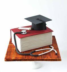 Graduation Cake - Cake by Alma Pasteles