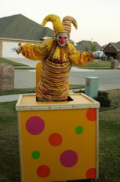 Jack In The Box Clown Costume.