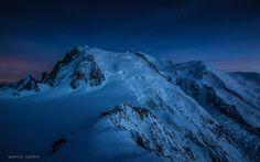Le massif du Mont-Blanc et le Refuge des Cosmiques   Depuis l'arête des Cosmiques