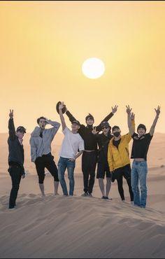 EXO the Kings un Dubai doing history 💜💜 Baekhyun Chanyeol, Exo Chen, Exo Kai, Park Chanyeol, Kpop Exo, Taemin, K Pop, Exo Group, Exo Official