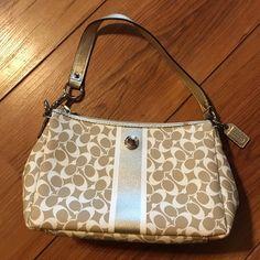 Small coach purse Never used authenticate coach purse. Coach Bags Mini Bags