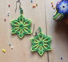 Mexicanos pendientes florecen hecho a mano por ArtesaniaHUICHOL