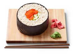Get Sushi Cake Recipe from Food NetworkYou can find Sushi cake and more on our website.Get Sushi Cake Recipe from Food Network Sushi Cake, Sushi Party, Cake Recipe Food Network, Food Network Recipes, Round Cake Pans, Round Cakes, Salmon Roll, Puffed Rice, How To Make Sushi
