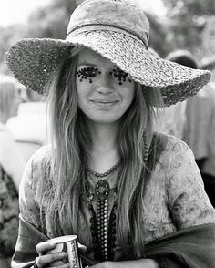 clothing at woodstock 1969 pictures - Yahoo Image Search Results 1969 Woodstock, Festival Woodstock, Hippie Woodstock, Woodstock Fashion, Woodstock Hippies, Woodstock Outfit, Woodstock Music, Hippie Style, Hippie Man