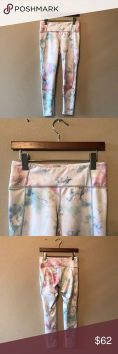 FREE PEOPLE LEGGINGS Free people LEGGINGS in perfect condition! They go down to the ankles  🚫NO TRADES  💵Will accept reasonable offers! 🤗 comment any questions you may have! Free People Pants Leggings
