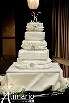 Jaime & Zach's wedding cake