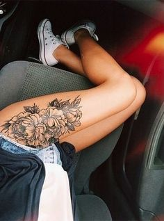 Thigh High - Stunning Floral Tattoos That Are Beautifully Soft And Feminine - Photos