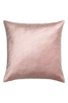 Velvet cushion cover: Cushion cover in velvet made from a cotton and viscose blend with a concealed zip.