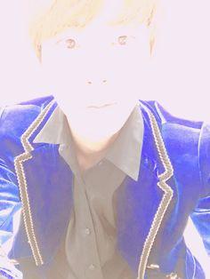 BTS Twitter [170604]  Trans @BTS_twt : My face is glowing [Jin]