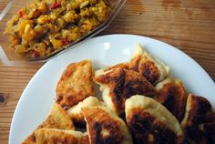Samosas with Loquat-Onion Chutney Recipe Loquat Recipes, Veggie Recipes, Indian Food Recipes, Healthy Recipes, Ethnic Recipes, Veggie Meals, Fruit Recipes, Yummy Recipes, Healthy Food